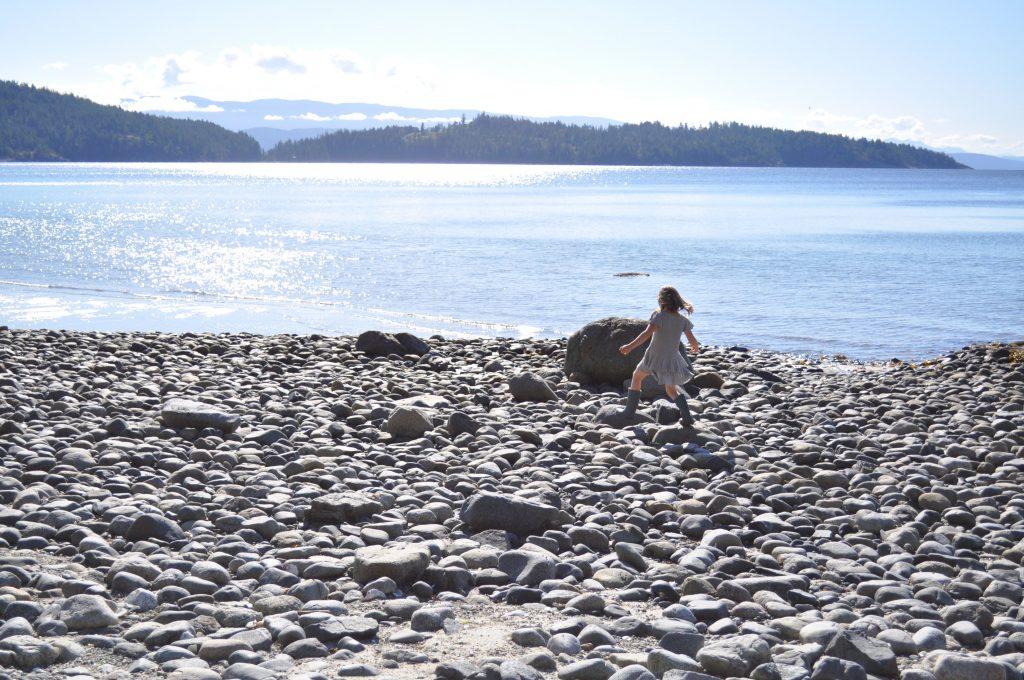 beach play solo.